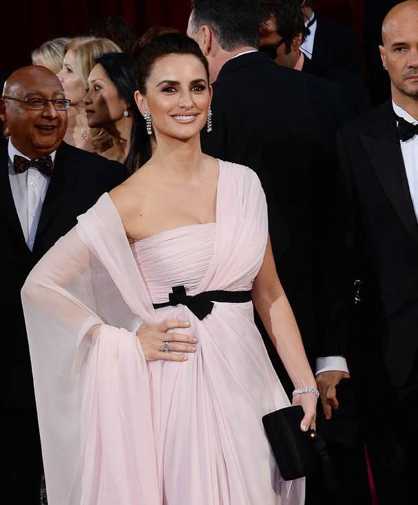 Penelope Cruz sur le tapis rouge des Oscars le 2 mars 2014
