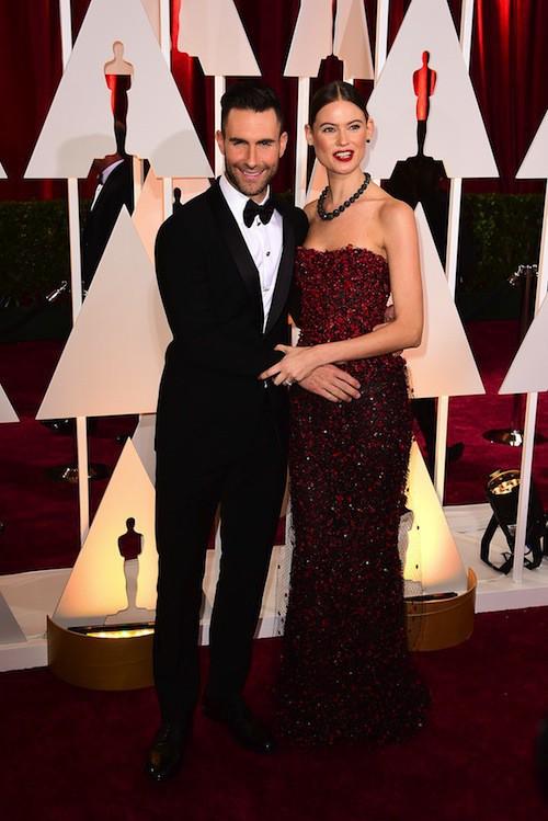 Oscars 2015 : Behati Prinsloo et Adam Levine