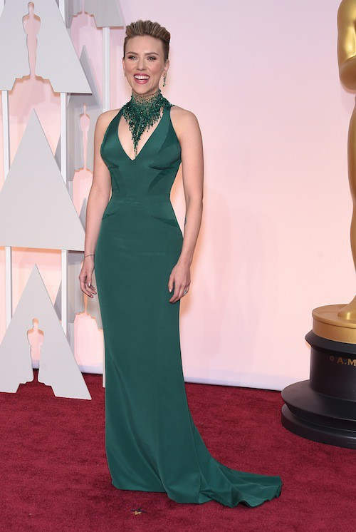 Photos : Oscars 2015 : Scarlett Johansson : ultra courtisée, entre son Frenchy et John Travolta !