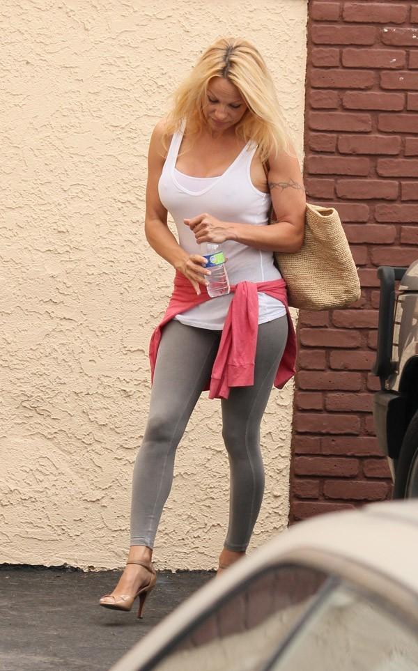 Pamela Anderson à Los Angeles le 5 septembre 2012