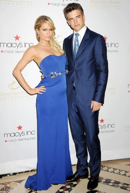Paris Hilton et River Viiperi lors de la soirée Economic Scholarship Program Gala Dinner à New York, le 5 décembre 2012.
