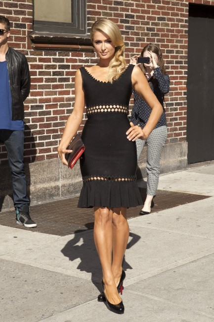 "Paris Hilton se rendant sur le plateau du ""Late Show with David Letterman"" à New York, le 2 mai 2013."