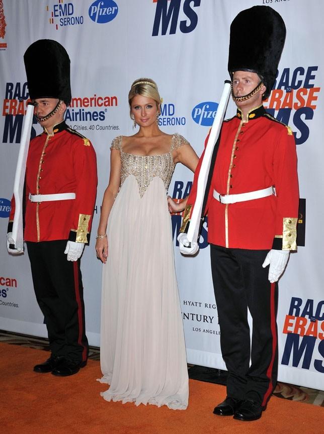 Hier, Paris Hilton s'est prise pour Kate Middleton !