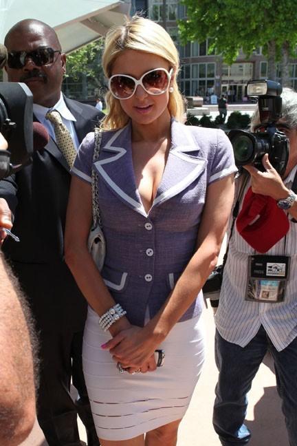 Paris Hilton à Los Angeles, le 27 avril 2011.