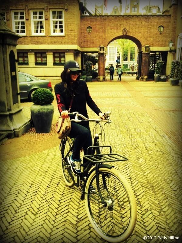Paris sait faire du vélo, incroyable !