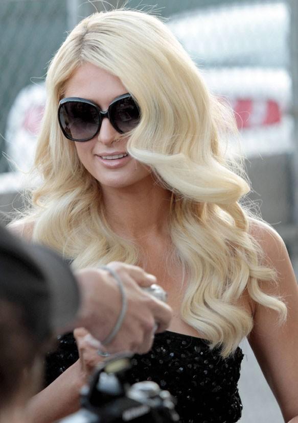 Paris Hilton se rendant sur le plateau de l'émission de Jimmy Kimmel à Los Angles, le 7 juin 2011.