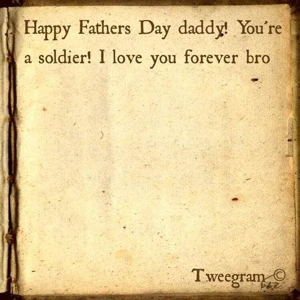 Le message de Rihanna à son père : Bonne fête des pères papa, tu es un soldat ! Je t'aime pour toujours
