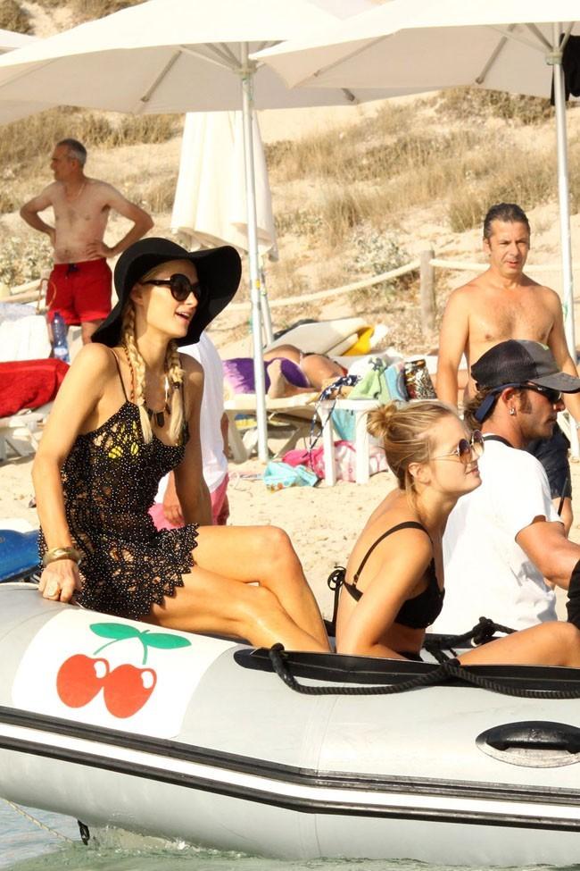 Paris Hilton le 7 juillet 2012 à Formentera
