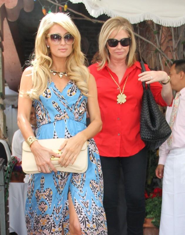 Paris Hilton et sa mère le 5 juin 2013 à Los Angeles