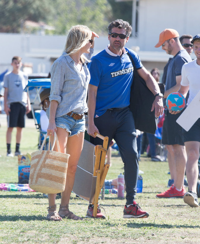 Patrick Dempsey et sa femme Jillian Fink assistent à un match de football