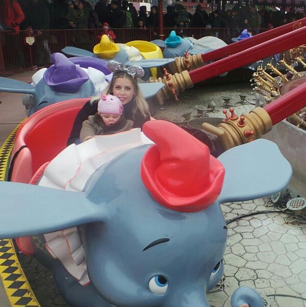 Photos : Peaches Geldof : petite escapade à Disneyland Paris avec son fils Astala !
