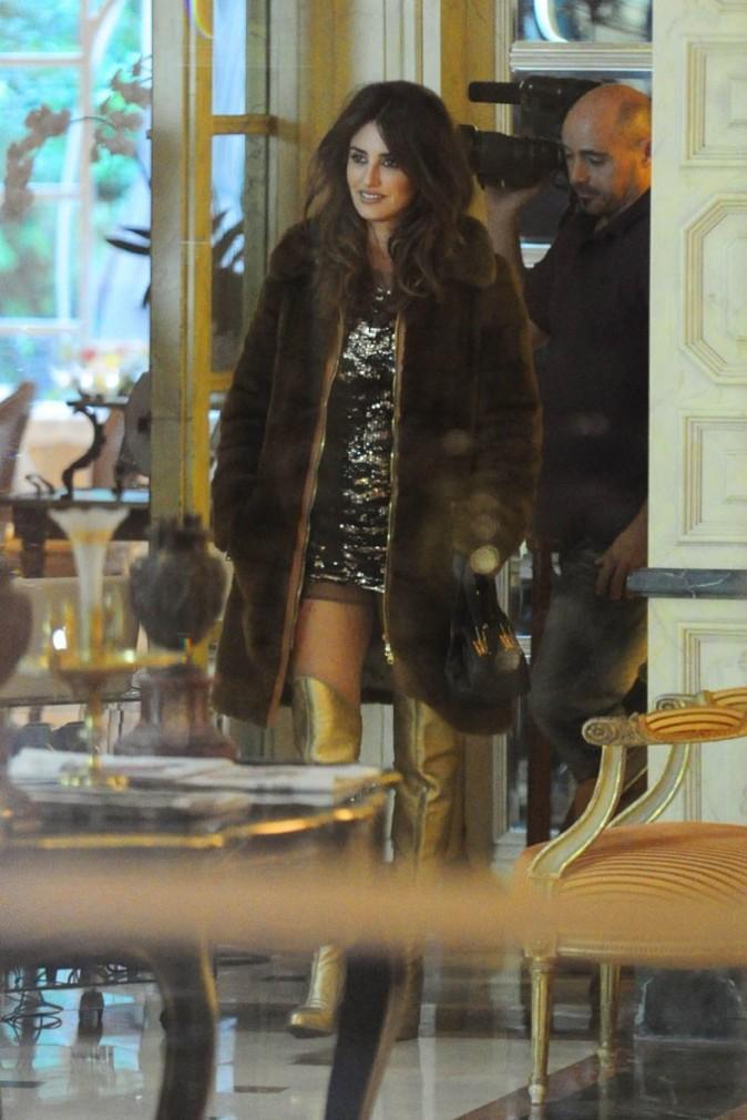 Penélope Cruz sur le tournage du clip de Miguel Bosé à Madrid le 3 octobre 2012