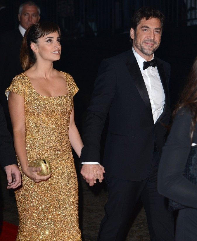 Penelope Cruz et Javier Bardem lors de l'after-party du film Skyfall à Londres, le 23 octobre 2012.