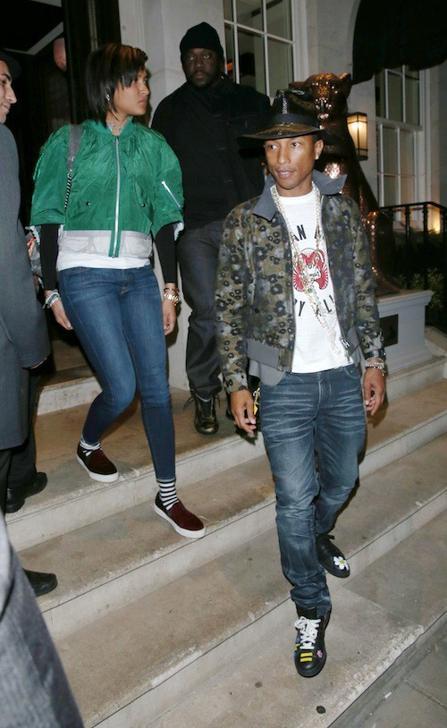 Photos : Pharrell Williams : il change enfin de chapeau !
