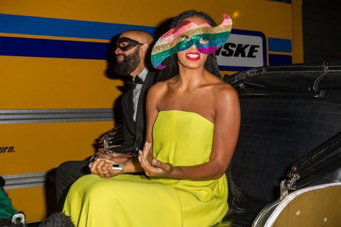 Solange Knowles arrivant à sa fête d'anniversaire de sa maman qu'elle a organisée à la Nouvelle-Orléans le 11 janvier 2014