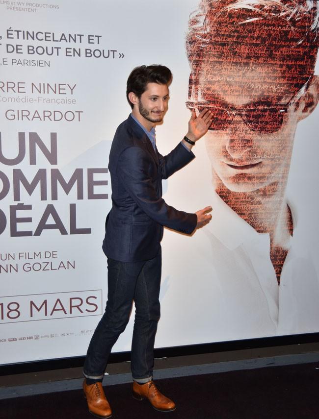 Pierre Niney à l'avant-première d'Un homme idéal organisée à l'UGC Bercy le 9 mars 2015
