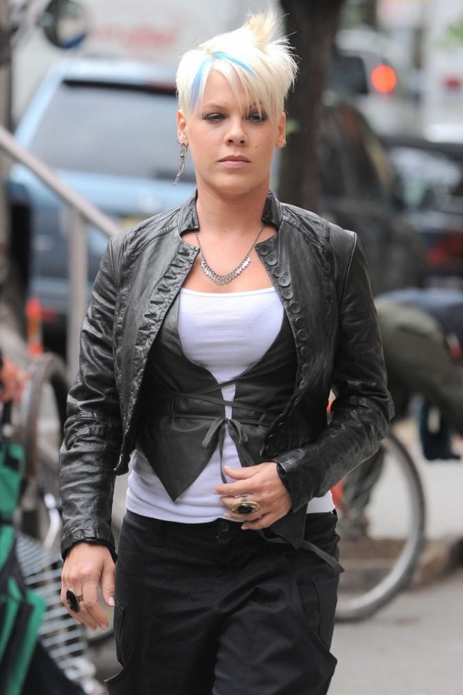 Elle ressemble un peu à Robyn, la chanteuse de With Every Heartbeat !