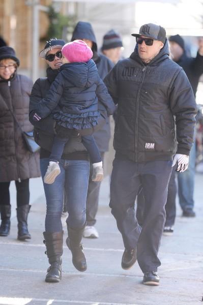 Pink en balade avec sa famille, New York, le 13 décembre 2013