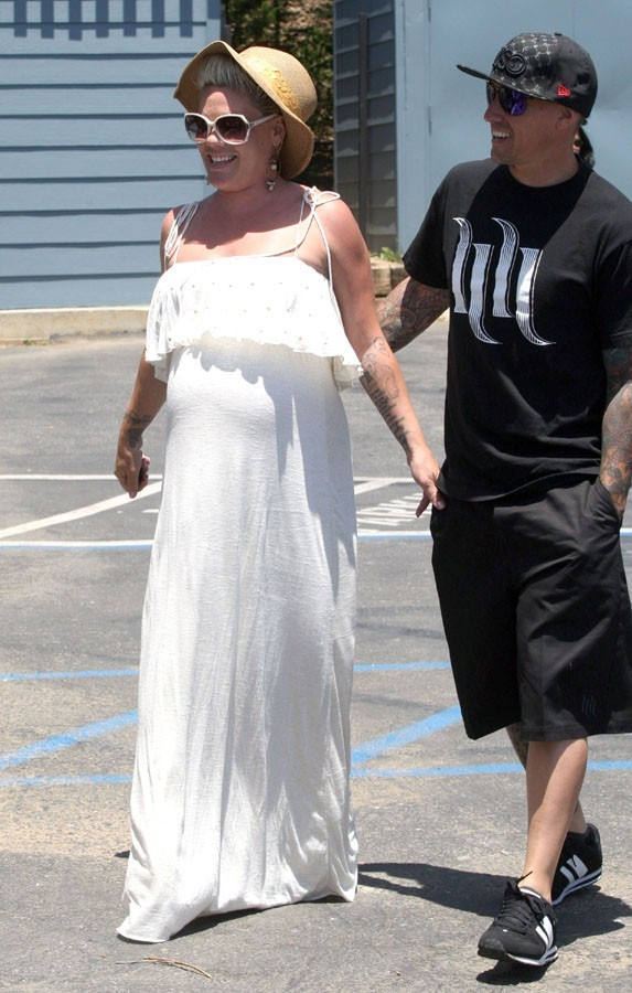 Pink rejointe par son mari Carey Hart