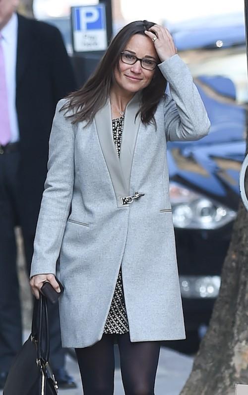 Photos : Pippa Middleton : plus vieille avec ses lunettes !