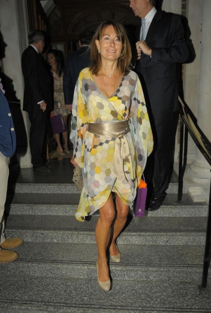 Carole Middleton sortant de l'hôtel Goring à Londres, le 7 juin 2011.