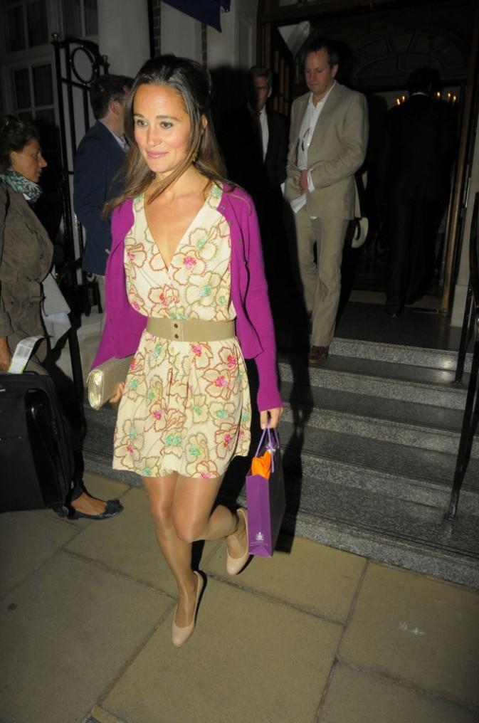 Pippa Middleton sortant de l'hôtel Goring à Londres, le 7 juin 2011.