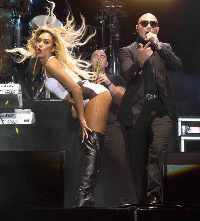 Pitbull : il fait grimper la température sur scène !