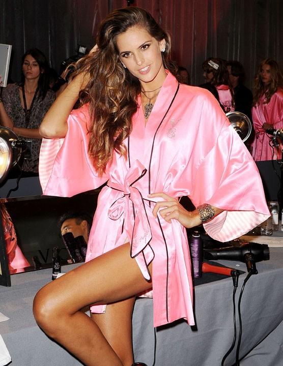 Dans les coulisses du défilé Victoria's Secret à New York le 7 novembre 2012 (Izabel Goulart)