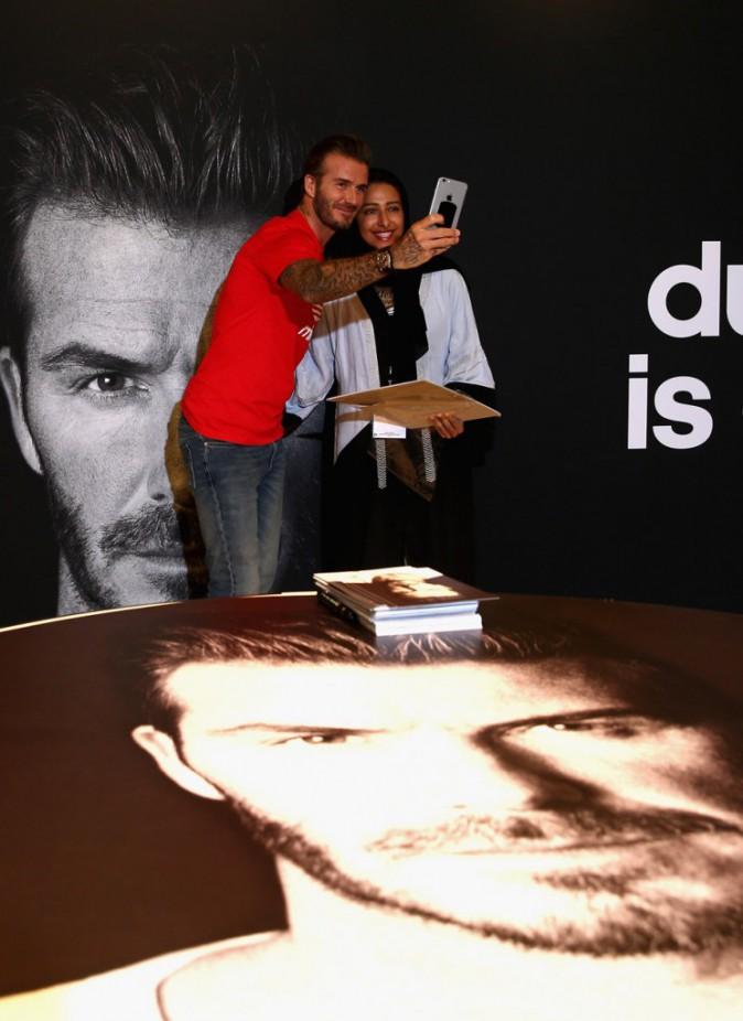 Plus sexy que jamais, David Beckham rencontre ses fans chez Adidas !