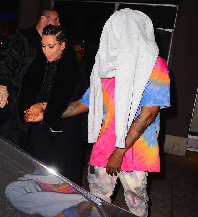 "Photos : Pour Kanye West : ""Bill Cosby est innocent !!!!"""