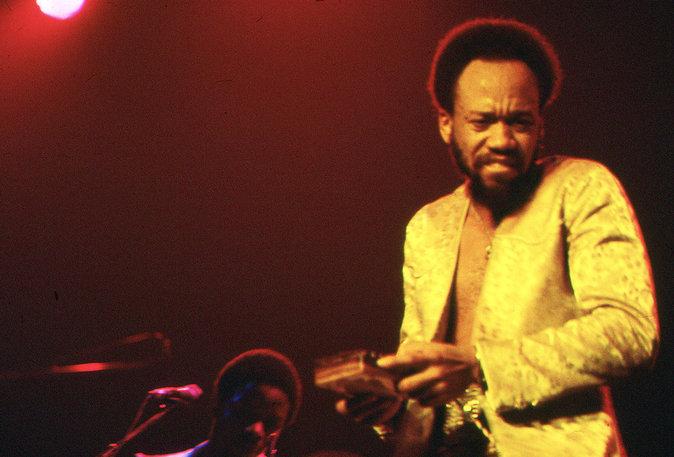 Photos : Maurice White : ce que la musique perd en 2016
