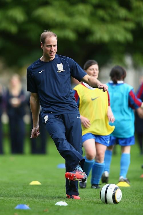 Photos : prince William : il délaisse le costume pour mouiller le maillot !