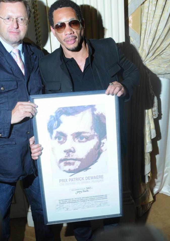 Joey Starr et son prix Patrick-Dewaere à Paris, le 11 juin 2012.