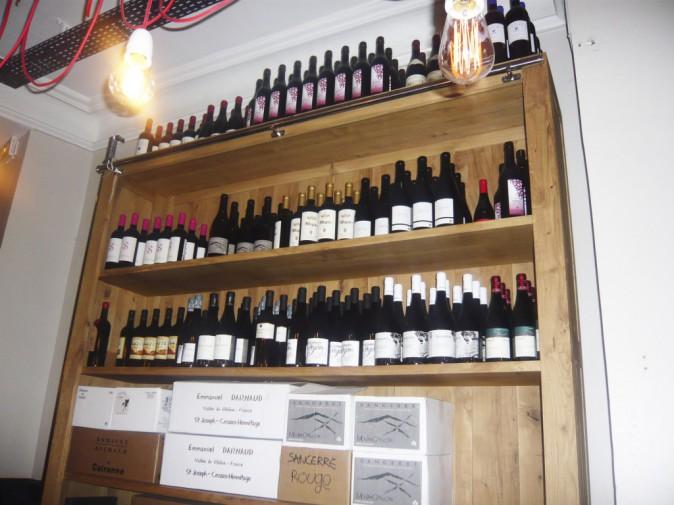 Une jolie sélection de bouteilles, parmi lesquelles se trouve le fameux irouléguy, basque par nature.