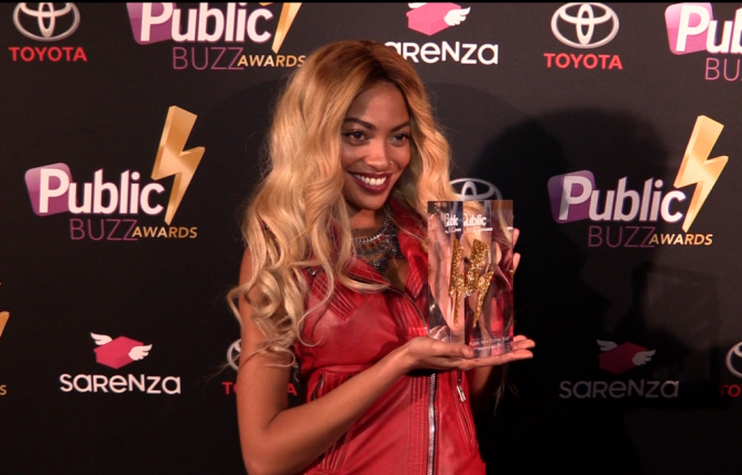 Photos : Public Buzz Awards : Tenny : la Beyonce française a mis le feu au Showcase !