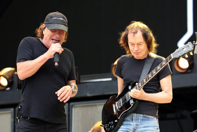 AC/DC : 67,5 millions de dollars