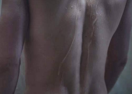 Photos : Qui veut prendre une douche avec Jamie Dornan ?