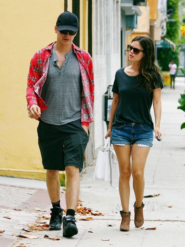 Rachel Bilson et Hayden Christensen le 12 juillet 2012 à Los Angeles
