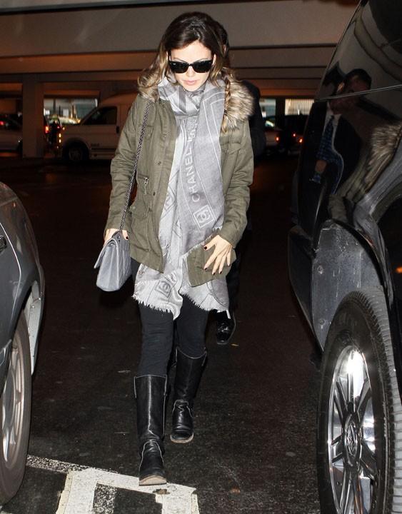 Rachel Bilson à l'aéroport de Los Angeles, le 17 mars 2011.