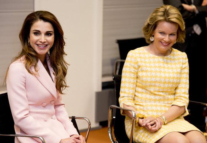 Photos : Rania de Jordanie voit la vie en rose !
