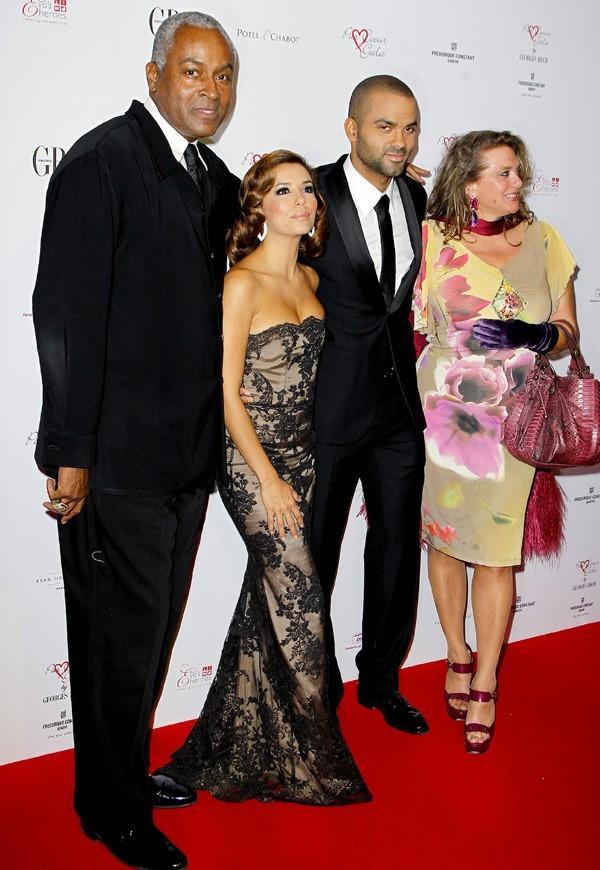 Tony Parker et ses parents quand il était avec Eva ...