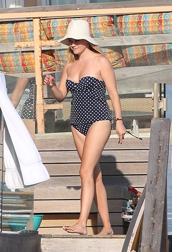 Reese Witherspoon et sa famille à Malibu le 4 juillet 2013