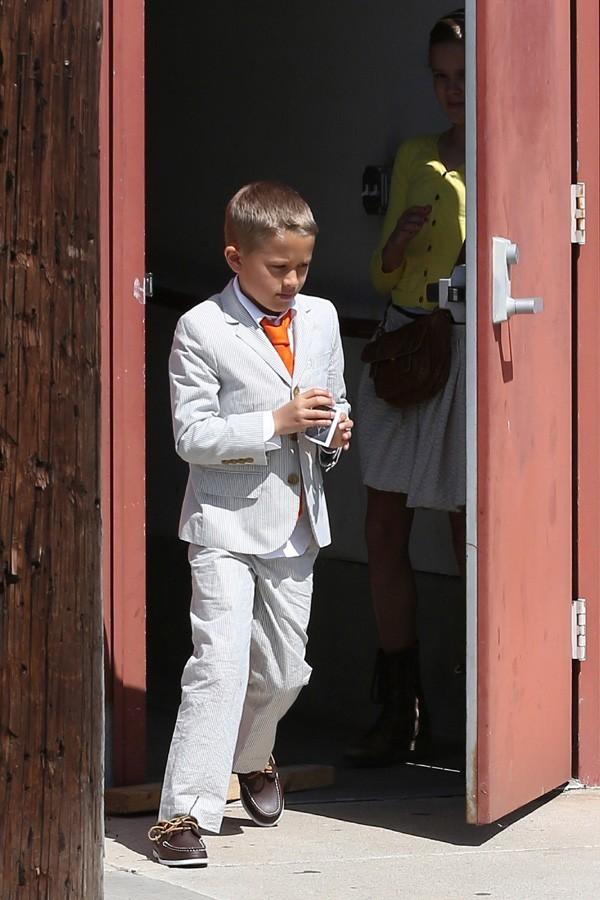Son fils Deacon élégant pour fêter Pâques !