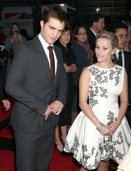 "Robert Pattinson et Reese Witherspoon lors de la première du film ""Water for Elephants"" à New York, le 17 avril 2011."