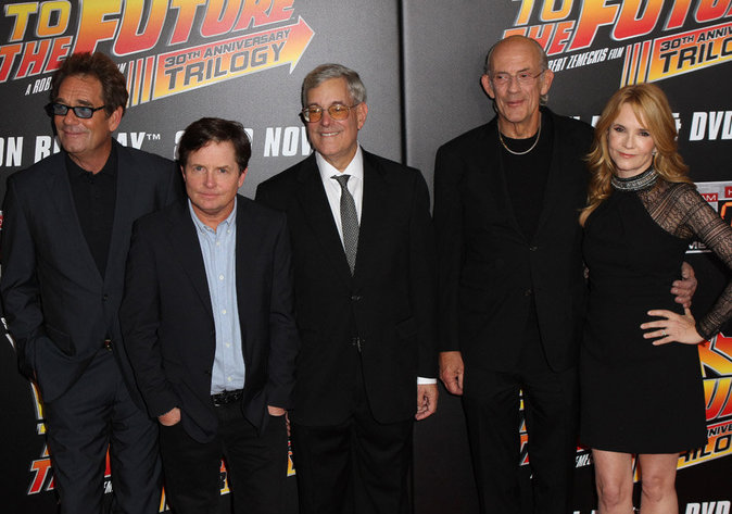 Huey Lewis, Michael J. Fox, Bob Gale, Christopher Lloyd et Lea Thompson
