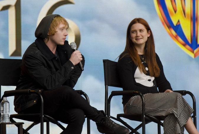 Photos : Réunion des anciens de Harry Potter : Ron & Ginny Weasley prennent la pose!