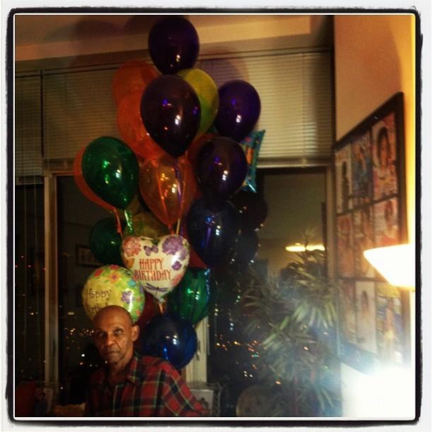 Soirée d'anniversaire chez les grands-parents de Rihanna !