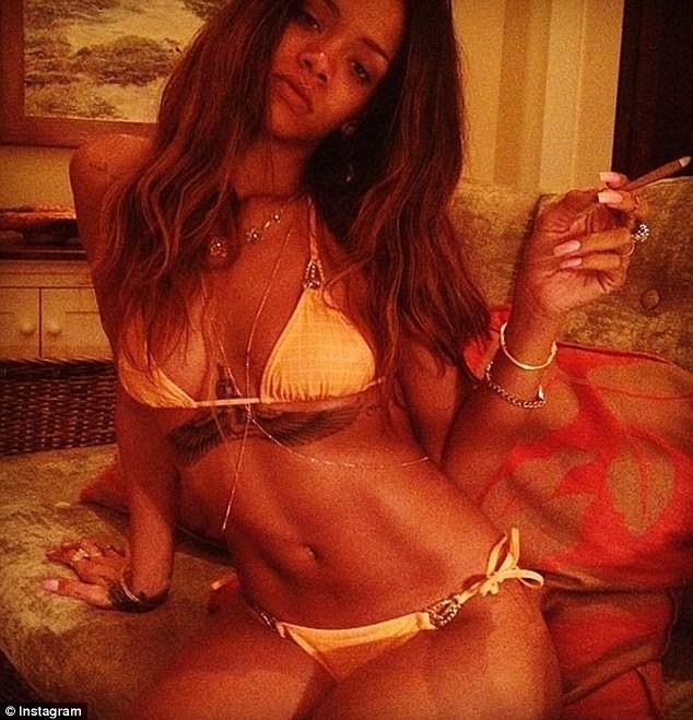 Rihanna ultra-hot en vacances à Hawaï