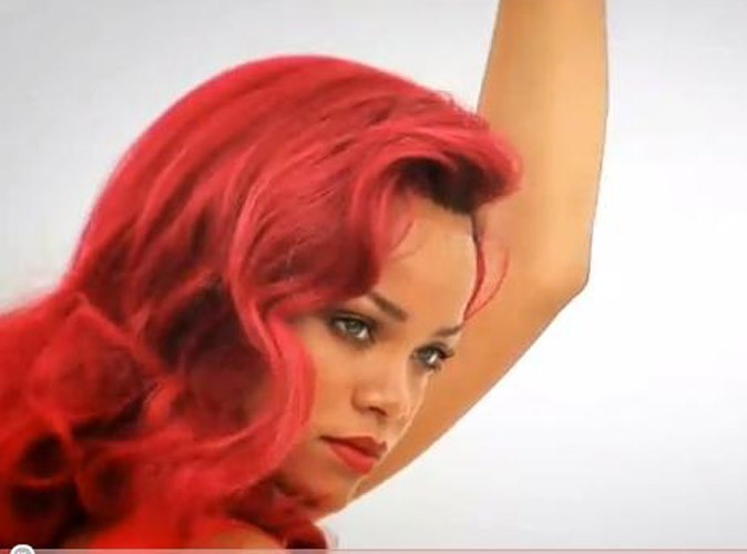 Rihanna dans le making-of de son shooting pour le Vogue du mois d'avril 2011.