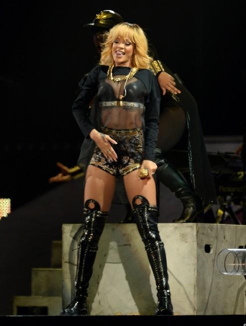 Rihanna au Millenium Stadium de Cardiff, au Royaume Uni, le 10 juin 2013